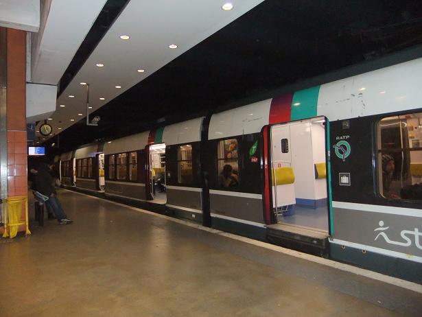 パリ北駅に到着